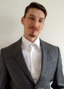 René Schröter im Anzug